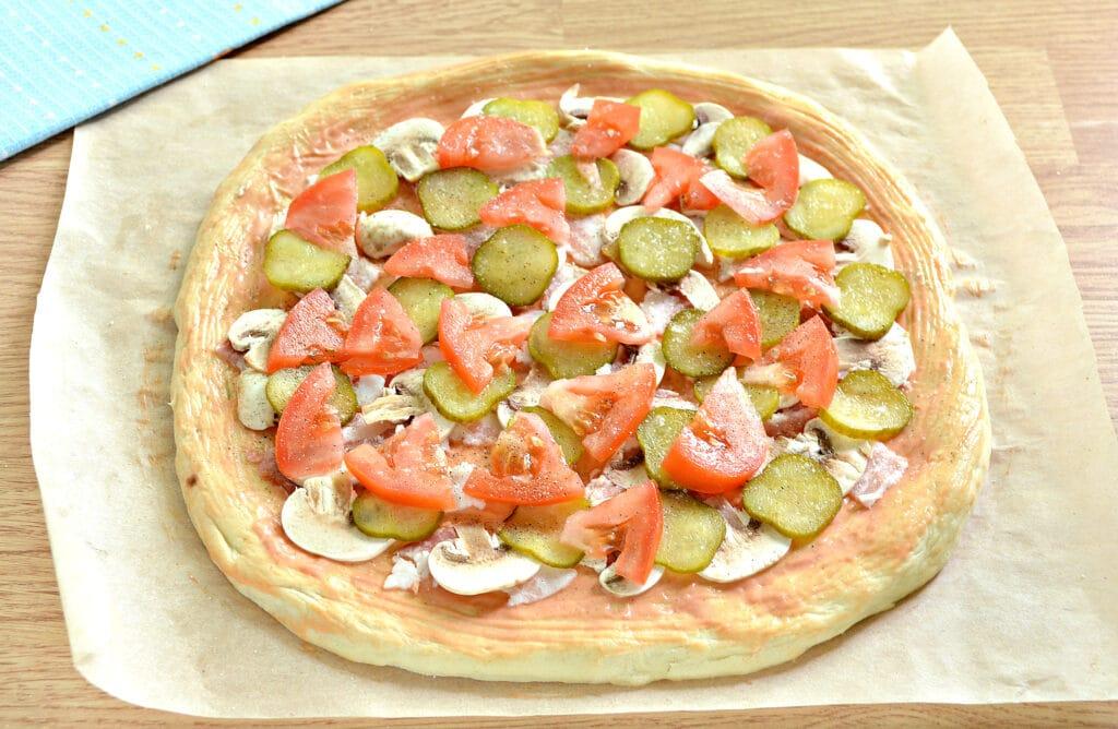 Фото рецепта - Пицца с беконом и грибами на дрожжевом тесте - шаг 6