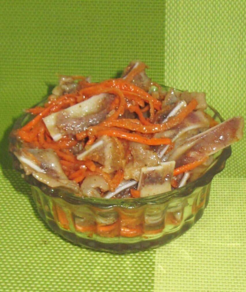 Фото рецепта - Свиные уши по-корейски с морковью - шаг 6
