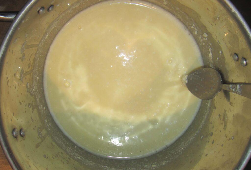 Фото рецепта - Домашний твердый сыр из творога - шаг 1