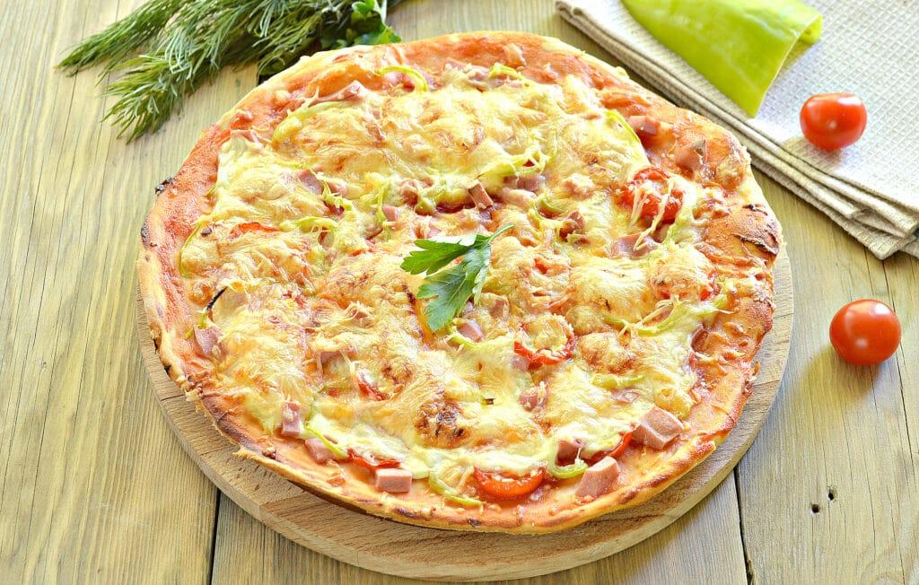 Фото рецепта - Пицца с болгарским перцем и черри - шаг 9