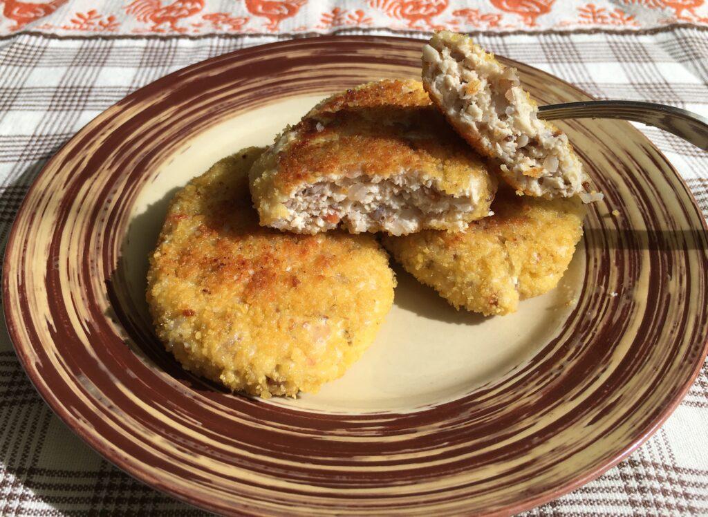 Фото рецепта - Гречаники из куриного фарша (котлеты с гречкой) - шаг 6