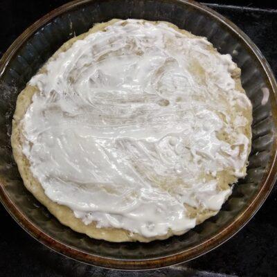 Фото рецепта - Пицца с шампиньонами - шаг 3