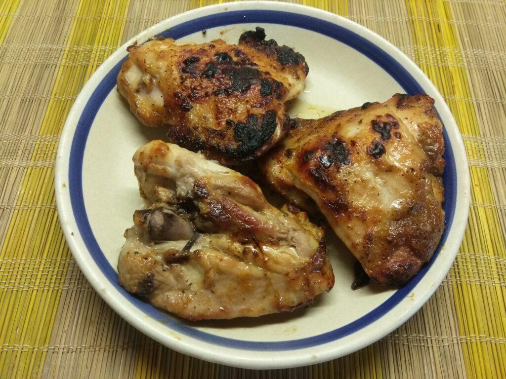 Фото рецепта - Куриные бедра в абрикосовой глазури - шаг 5