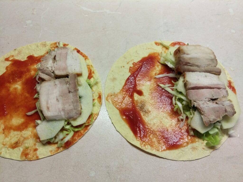 Фото рецепта - Кесадилья с копченой свиной грудинкой и яблоками - шаг 5