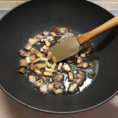 Фото рецепта - Молодой картофель с грудиной и укропом в сметане - шаг 2