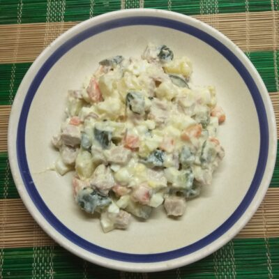 """Салат """"Оливье по-новому"""" - рецепт с фото"""