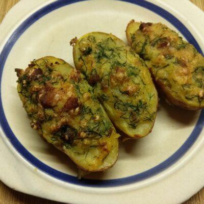 Фото рецепта - Картофель, фаршированный свиной грудинкой и укропом - шаг 6