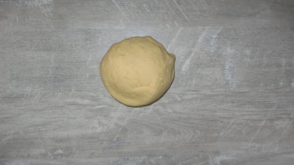 Фото рецепта - Печенье с курагой на молоке - шаг 2