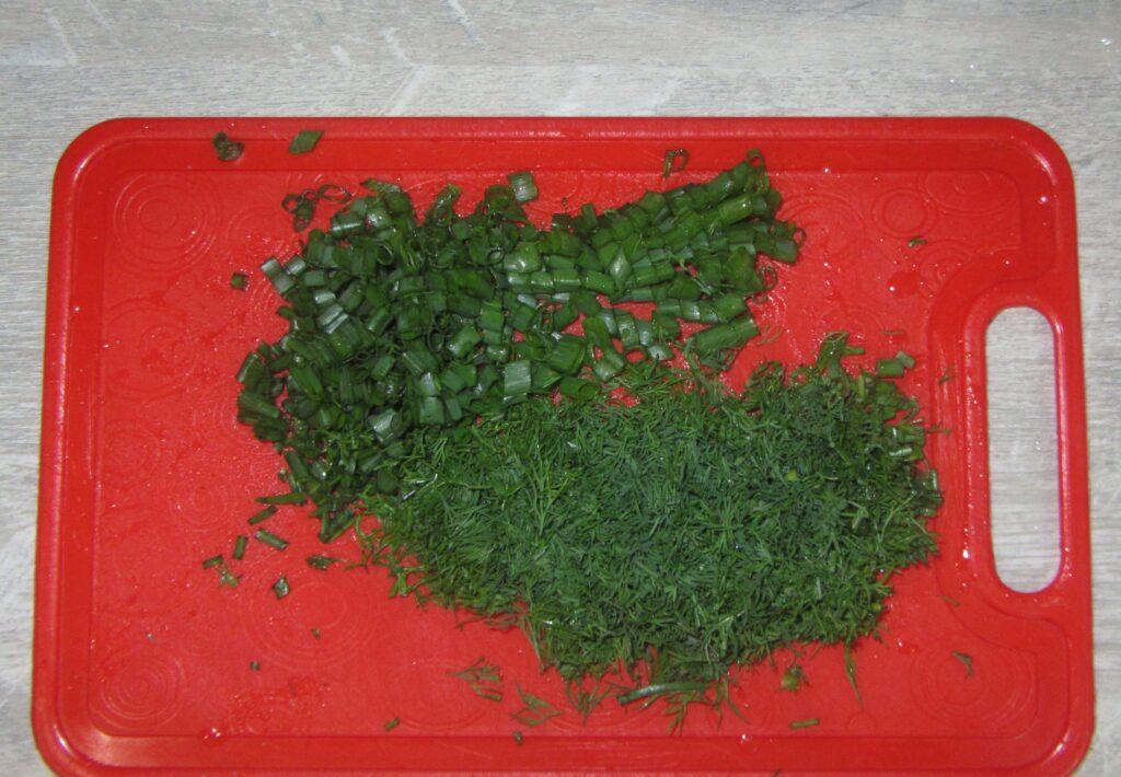Фото рецепта - Сметанный соус с зеленью - шаг 2