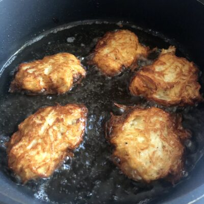 Фото рецепта - Картофельные драники (классический рецепт) - шаг 7