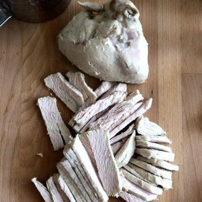 Фото рецепта - Лоранский пирог с индейкой и вешенками - шаг 8