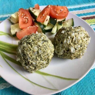 Куриные тефтели с рисом и шпинатом - рецепт с фото