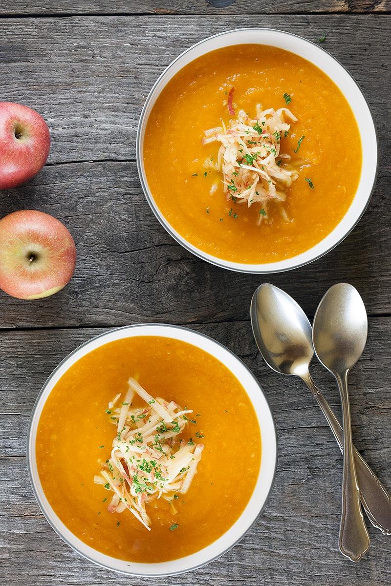 Морковно-яблочный крем-суп с имбирем
