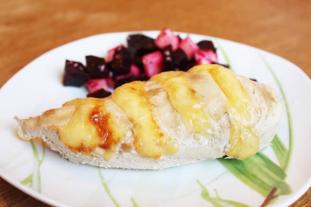 Фото рецепта - Нежное куриное филе в сметанно-чесночном маринаде - шаг 6