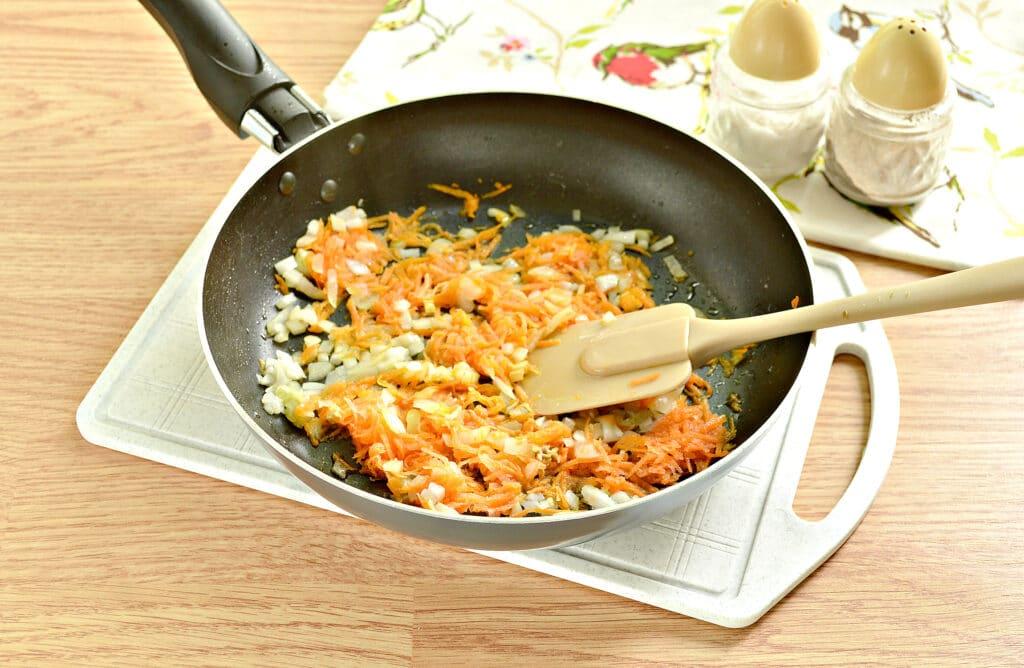 Фото рецепта - Мясная начинка для пирожков - шаг 2