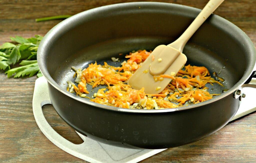 Фото рецепта - Гречневый суп с индейкой - шаг 4