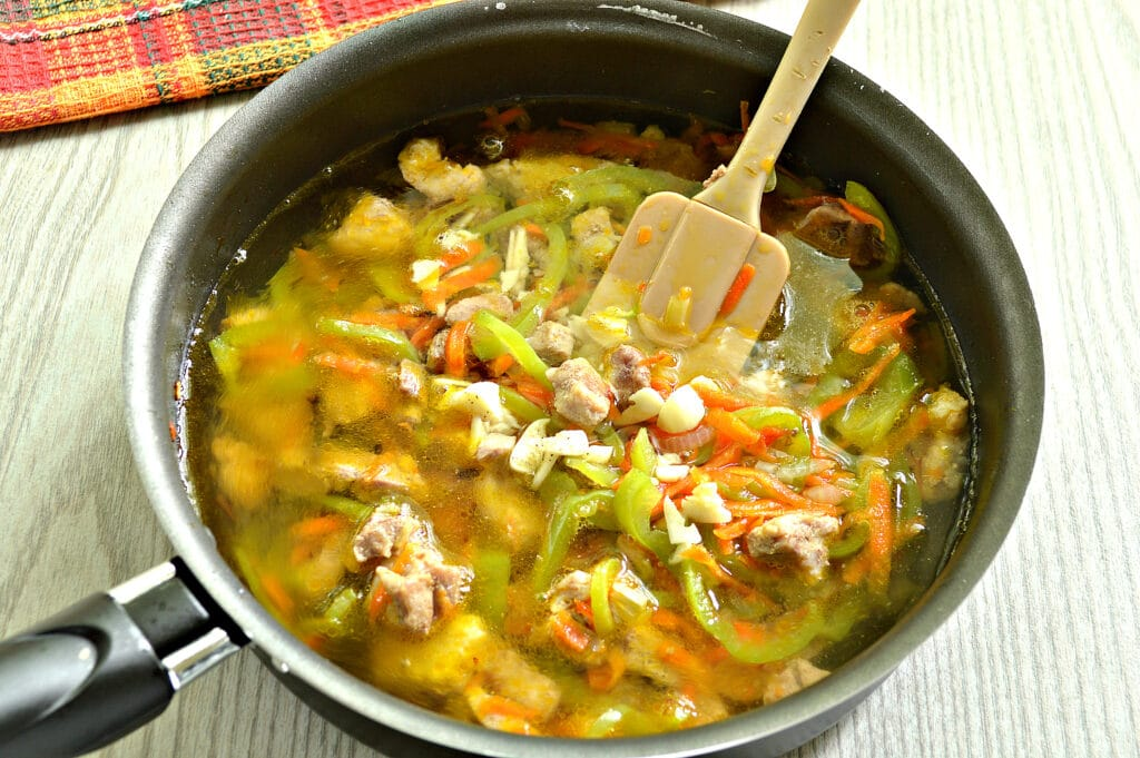 Фото рецепта - Мясная подлива с болгарским перцем - шаг 5