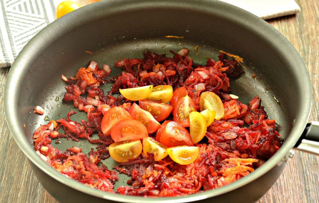 Фото рецепта - Домашний борщ со свеклой и говядиной - шаг 5