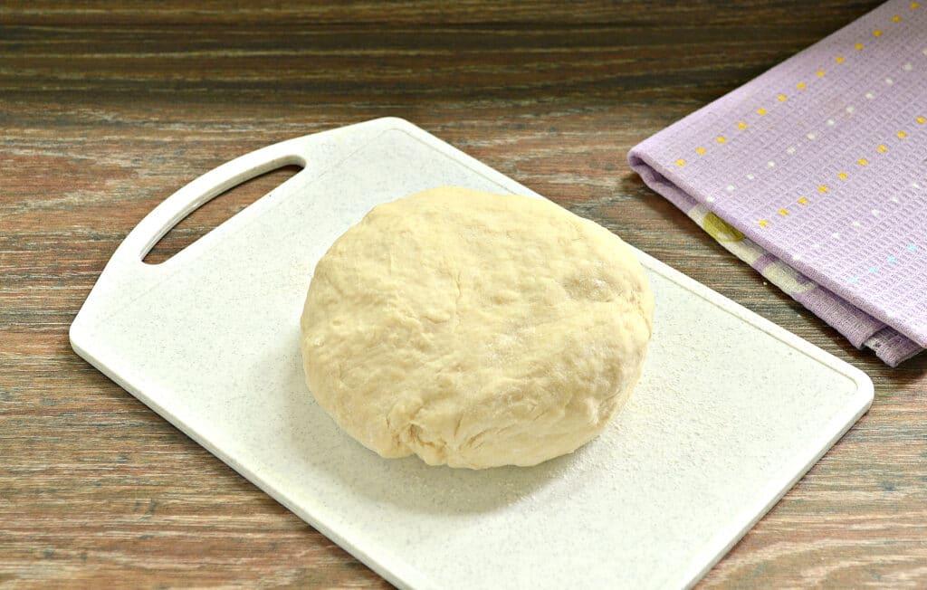 Фото рецепта - Тесто для пиццы с сухими дрожжами - шаг 5