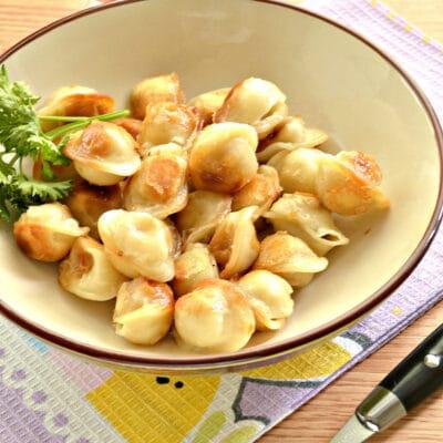 Замороженные пельмени на сковороде - рецепт с фото