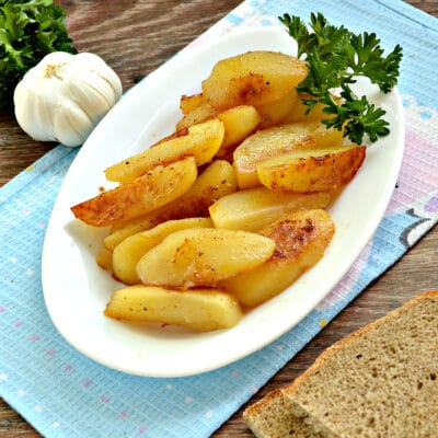 Картофель по-деревенски в мультиварке - рецепт с фото