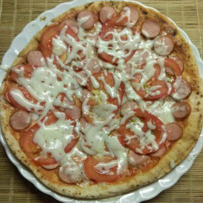 Пита с сосисками и помидорами - рецепт с фото