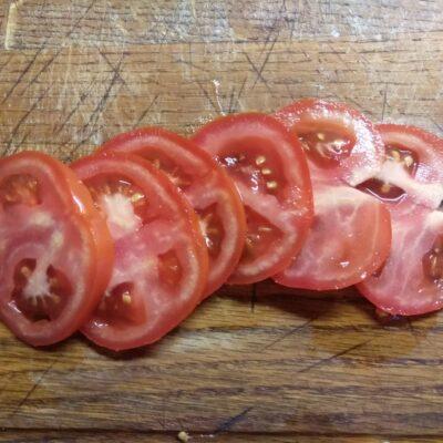 Фото рецепта - Куриное филе, фаршированное помидорами и луком - шаг 5