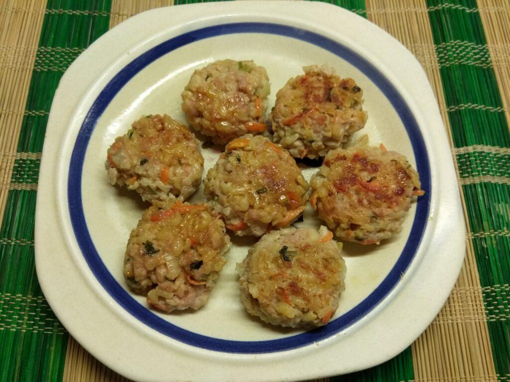 Фото рецепта - Тефтели из булгура и свиного фарша с мятой - шаг 6