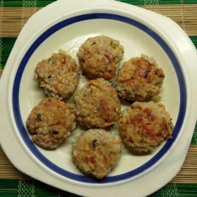 Тефтели из булгура и свиного фарша с мятой - рецепт с фото