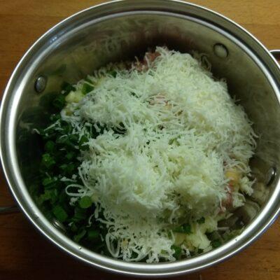 Фото рецепта - Картофель, фаршированный фаршем и сыром - шаг 5