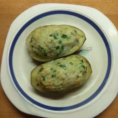 Картофель, фаршированный фаршем и сыром - рецепт с фото