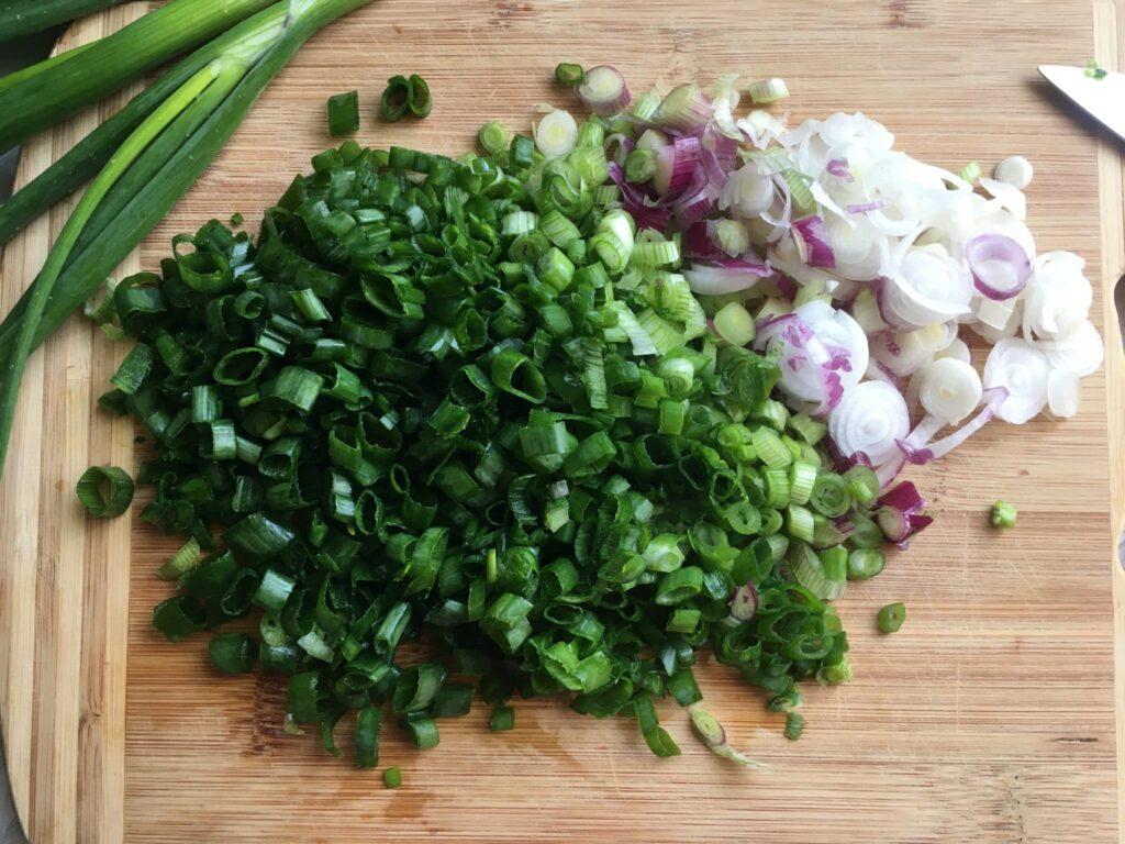 Фото рецепта - Замороженный зеленый лук на зиму - шаг 2