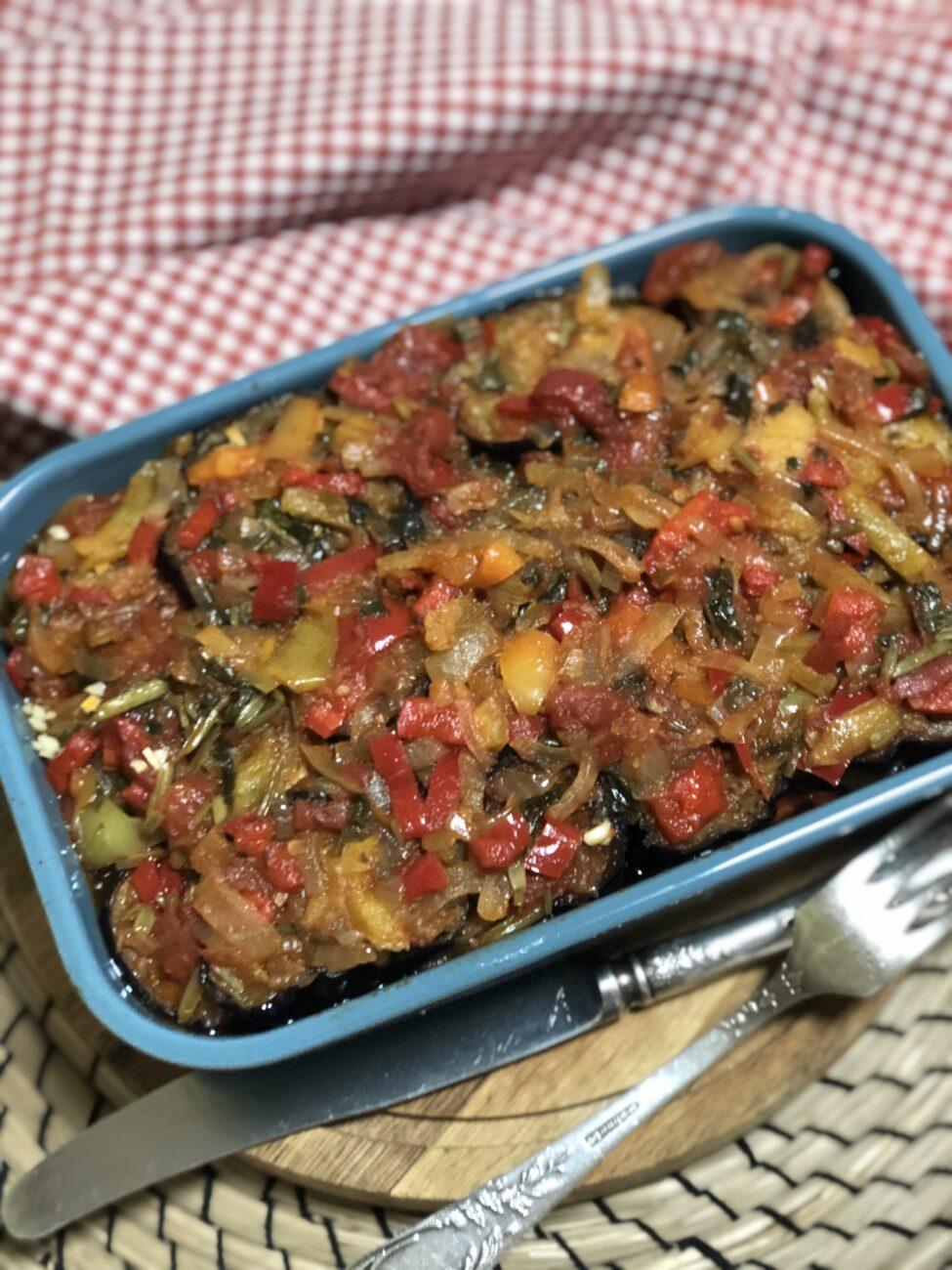 Соте из баклажанов, перца и томатов
