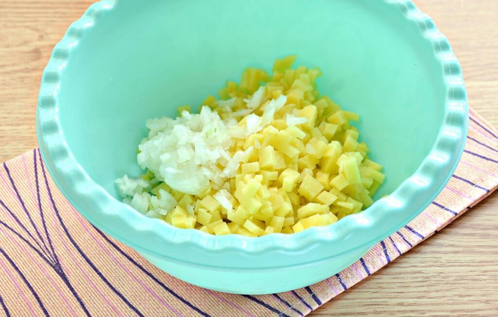 Фото рецепта - Манты с картошкой и мясным фаршем - шаг 1