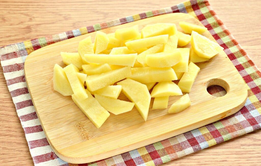 Фото рецепта - Щи на мясном бульоне с консервированной фасолью - шаг 1