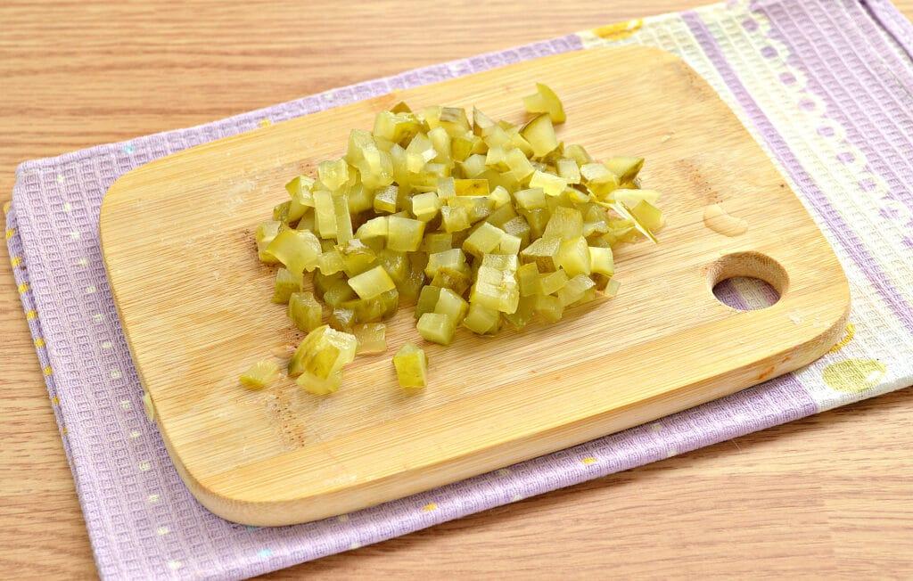 Фото рецепта - Рассольник на мясном бульоне в мультиварке - шаг 2