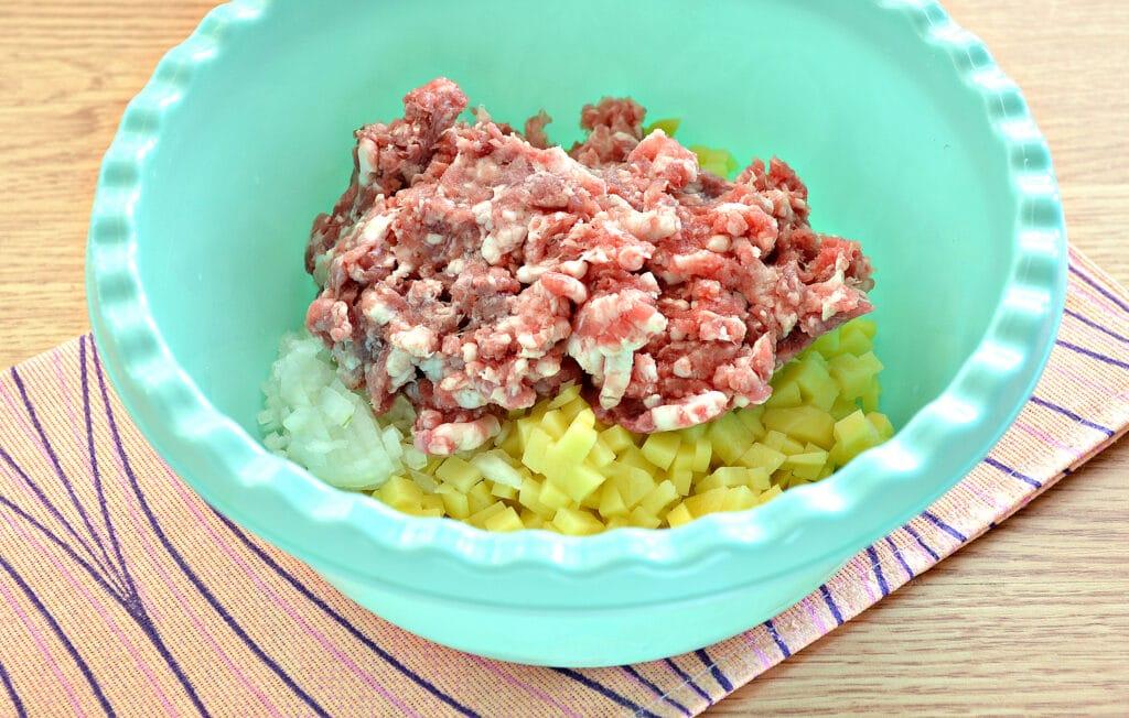 Фото рецепта - Манты с картошкой и мясным фаршем - шаг 2