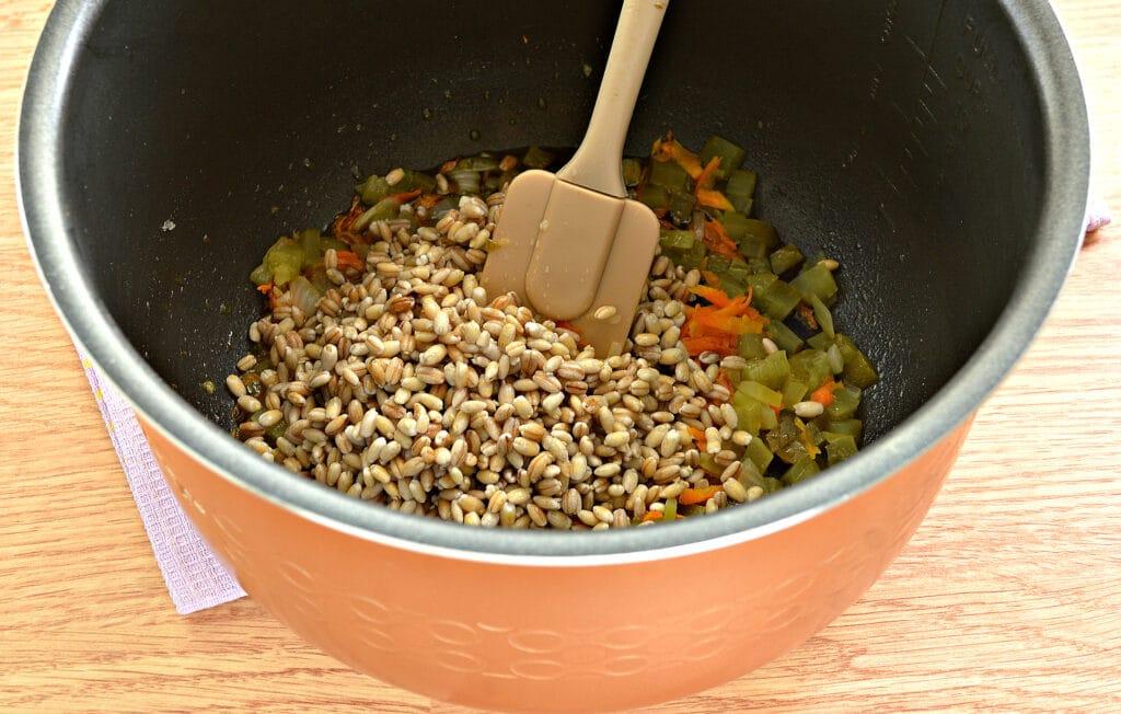 Фото рецепта - Рассольник на мясном бульоне в мультиварке - шаг 3