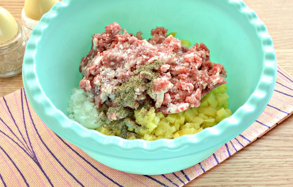 Фото рецепта - Манты с картошкой и мясным фаршем - шаг 3