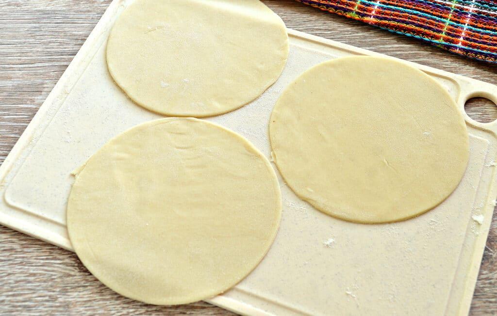 Фото рецепта - Манты с курицей и картофелем - шаг 4