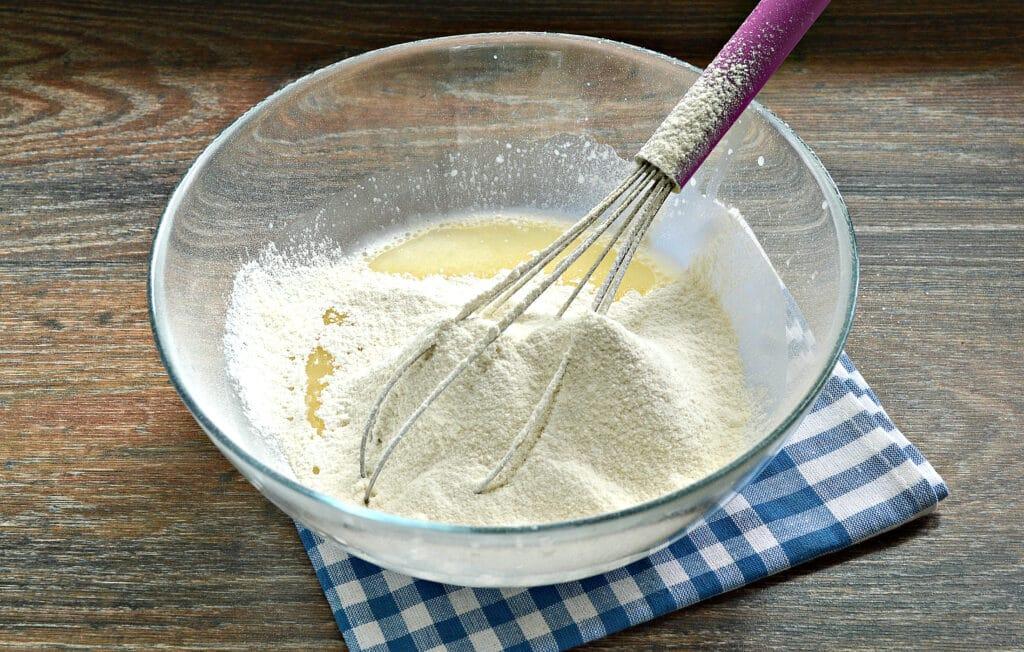 Фото рецепта - Тесто для курника на майонезе - шаг 4