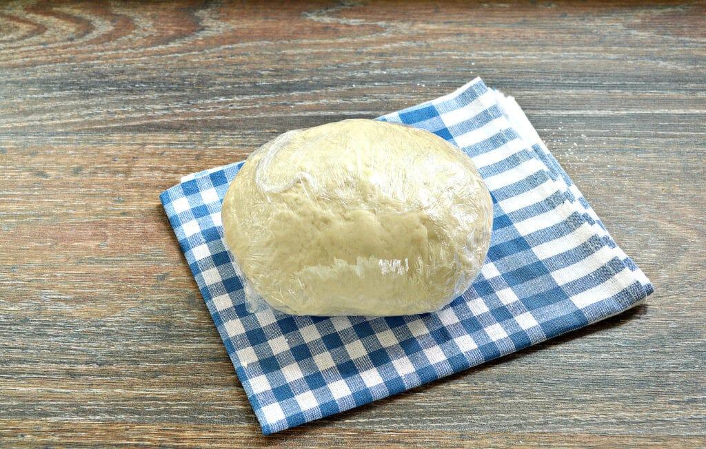 Фото рецепта - Тесто для курника на майонезе - шаг 6