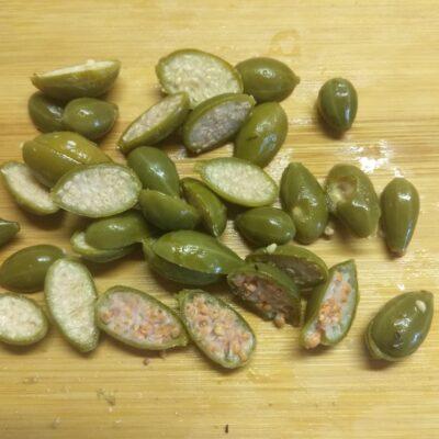 Фото рецепта - Зеленый салат и кабачков и огурцов - шаг 4