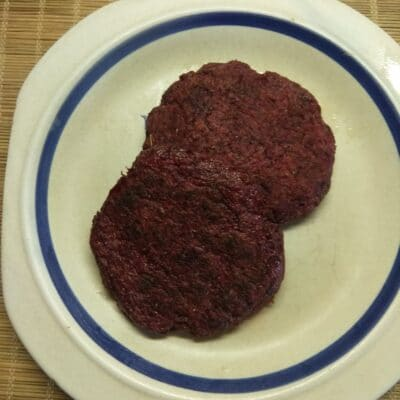 Свекольная котлета для гамбургера - рецепт с фото