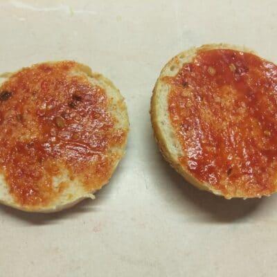 Фото рецепта - Сочный постный бургер со свекольной котлетой - шаг 1