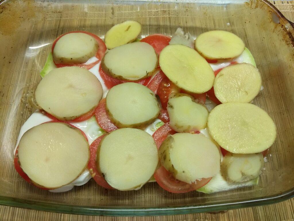 Фото рецепта - Хек, запеченный с овощами - шаг 5