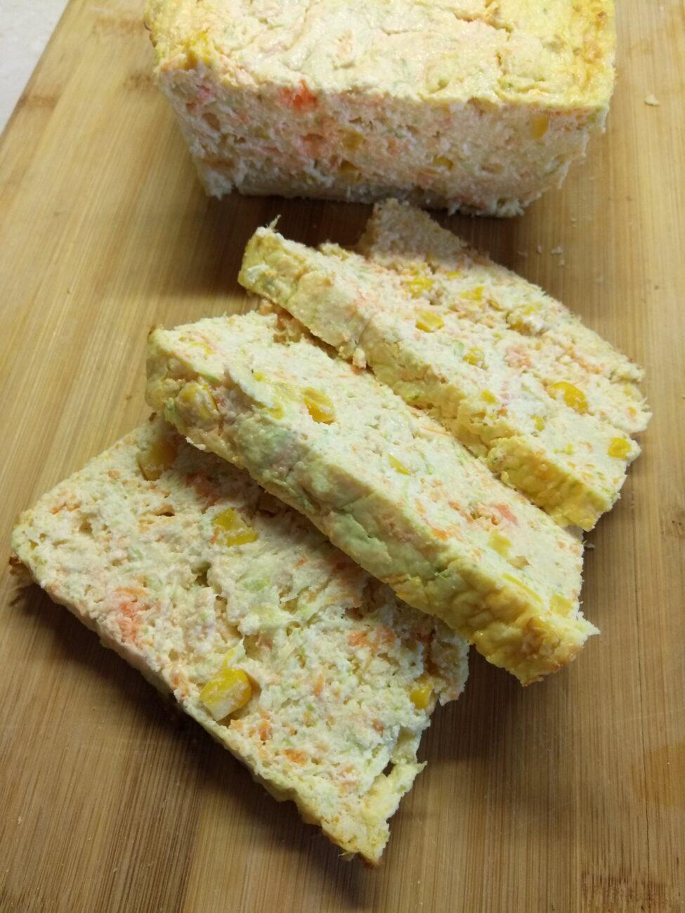 Творожный кекс с кабачком, морковью и консервированной кукурузой
