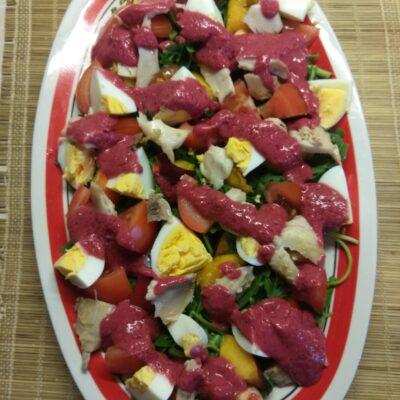 Куриный салат с помидорами и нектаринами - рецепт с фото