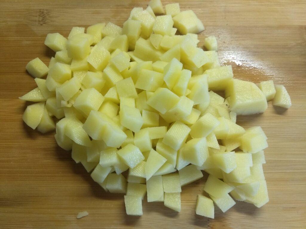Фото рецепта - Гороховый суп с сосисками - шаг 2