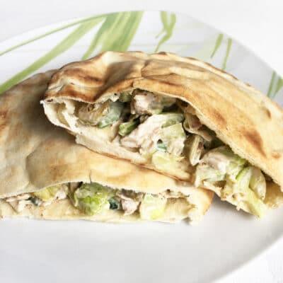 Пита с куриным филе и овощами - рецепт с фото